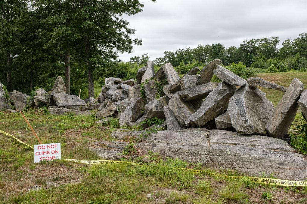 Do not climb on stone