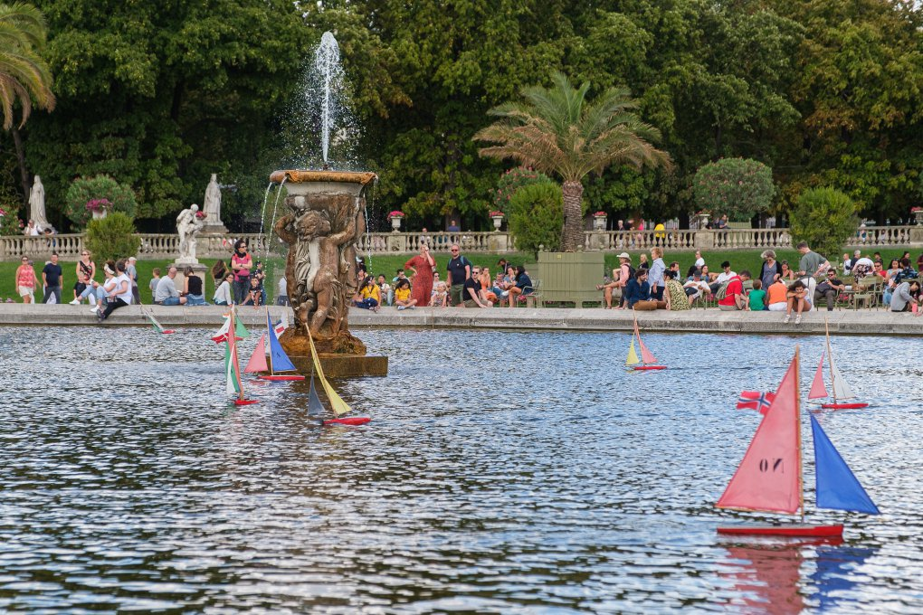 Pond with toy sailboats at Luxembourg Gardens