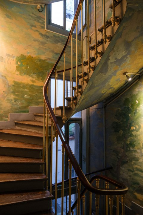 An impressionist staircase